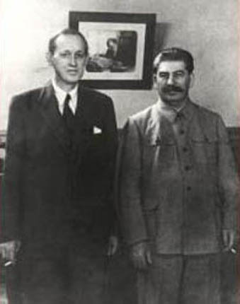 Harry Hopkins with Joseph Stalin